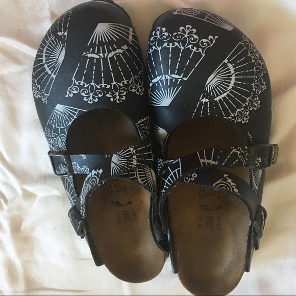 145483954c45 Birkenstock Shoes - Birkenstock  Dorian  Black White Clogs Size 39
